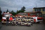Všichni hasiči JPO III včetně požárních automobilů