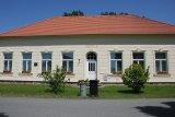 Budova bývalé školy v Řevnově, nyní penzion